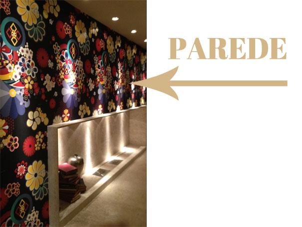 (Fonte: natalianoleto.com.br; Casa Cor Brasília com tecido aplicado na parede. Adorei esta estampa.)