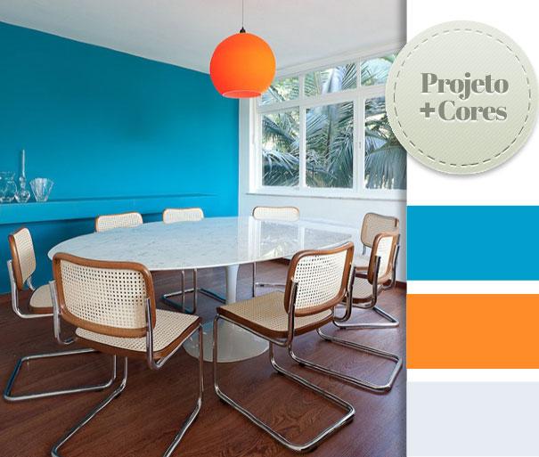 (Fonte: Suite Arquitetos. A luminária na cor laranja ficou show!)